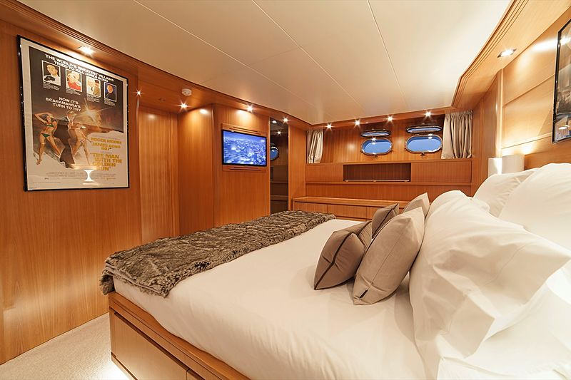 Panthours yacht stateroom
