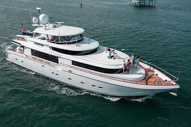 Illusion yacht running