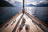 Wisp yacht foredeck