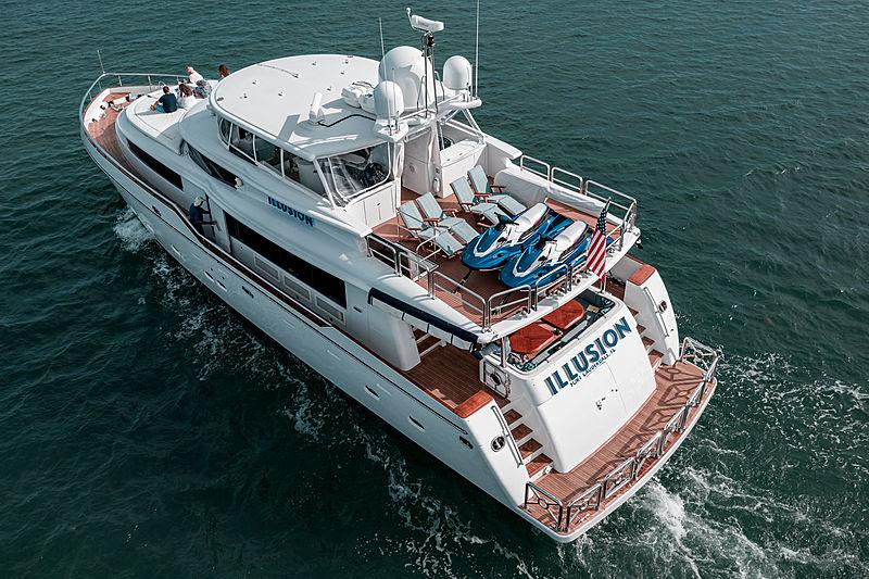 Illusion yacht cruising