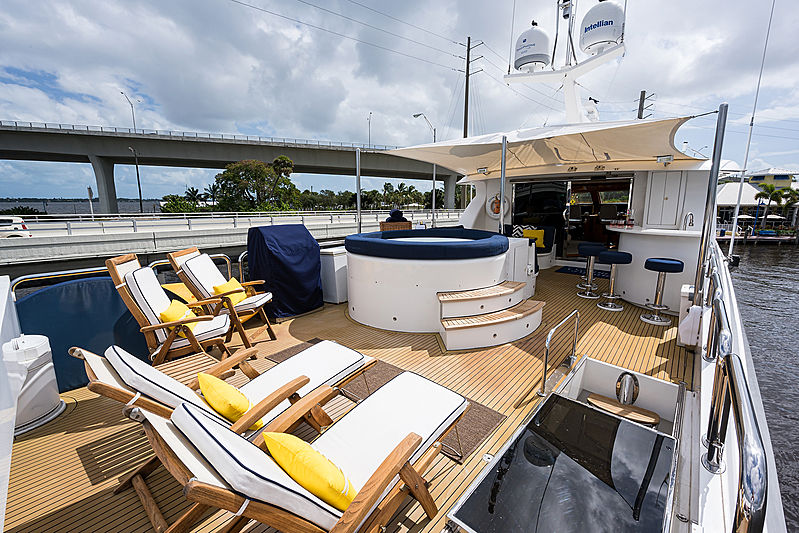Ossum Dream yacht top deck