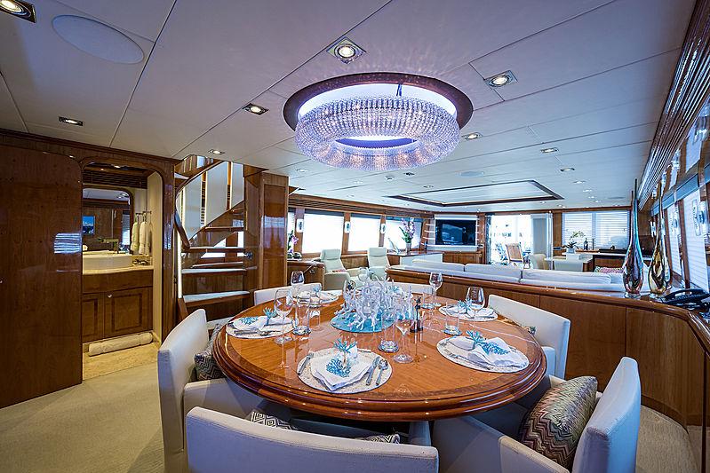 Ossum Dream yacht dining