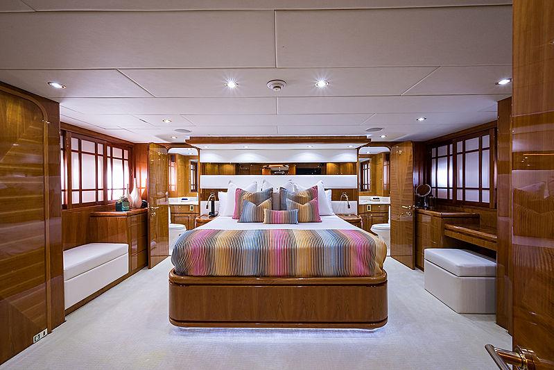Ossum Dream yacht stateroom