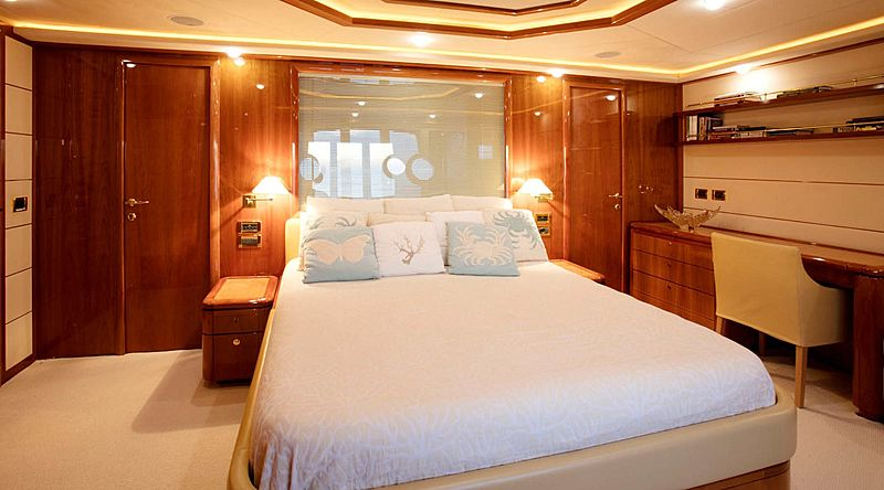 Lady Victoria yacht stateroom