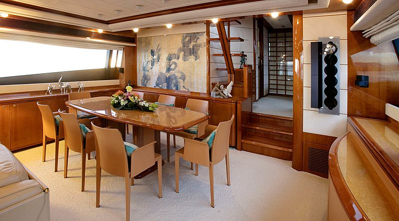 Lady Victoria yacht dining table