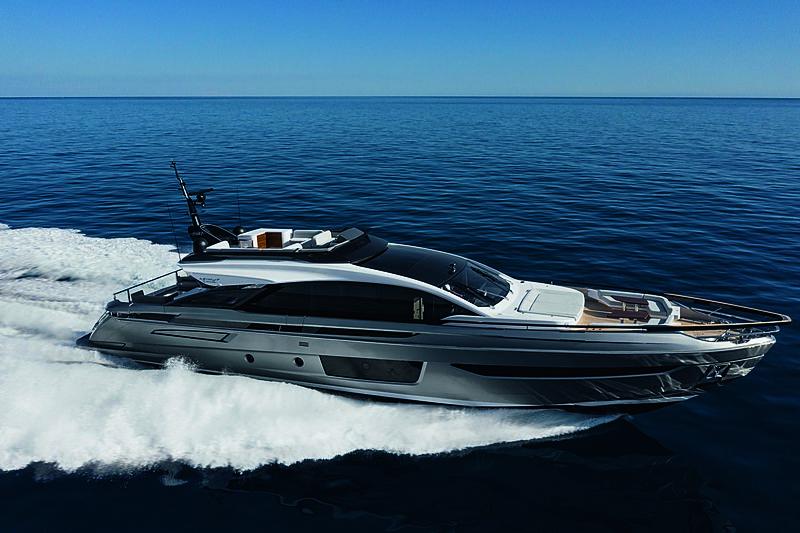 Azimut Grande S10 cruising