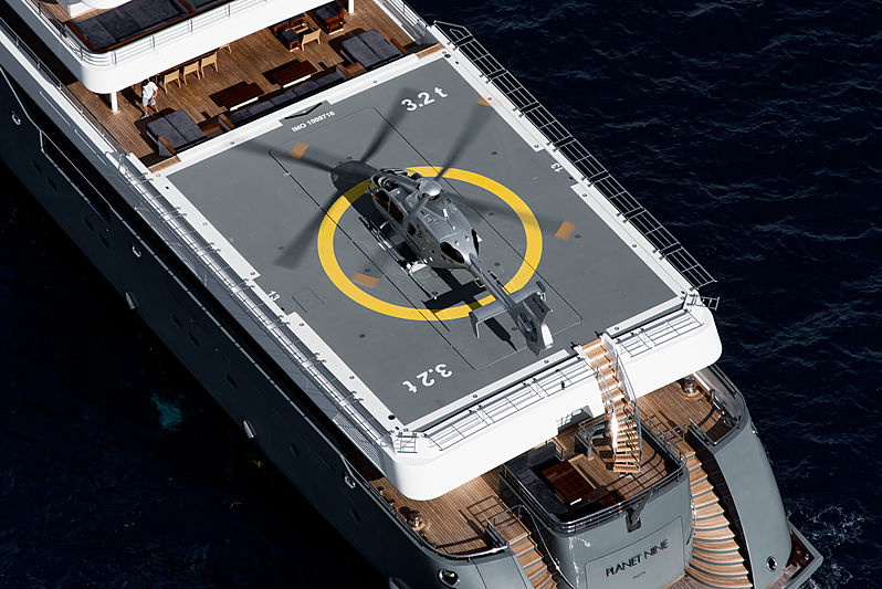 Planet Nine yacht aft helicopter deck