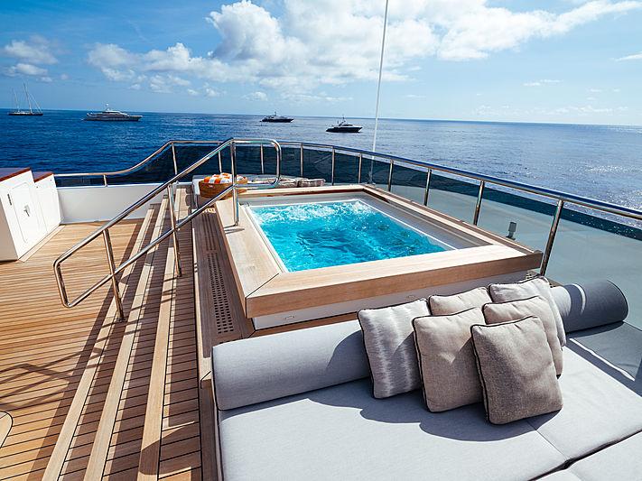 Planet Nine yacht jacuzzi