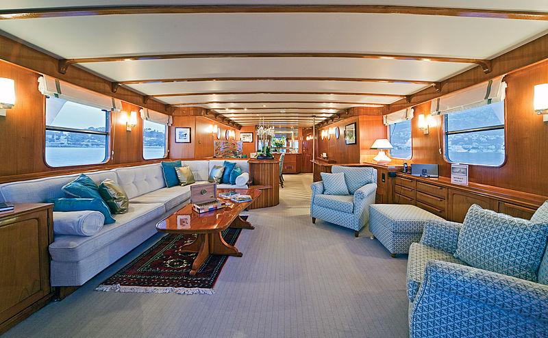 Hera C yacht saloon