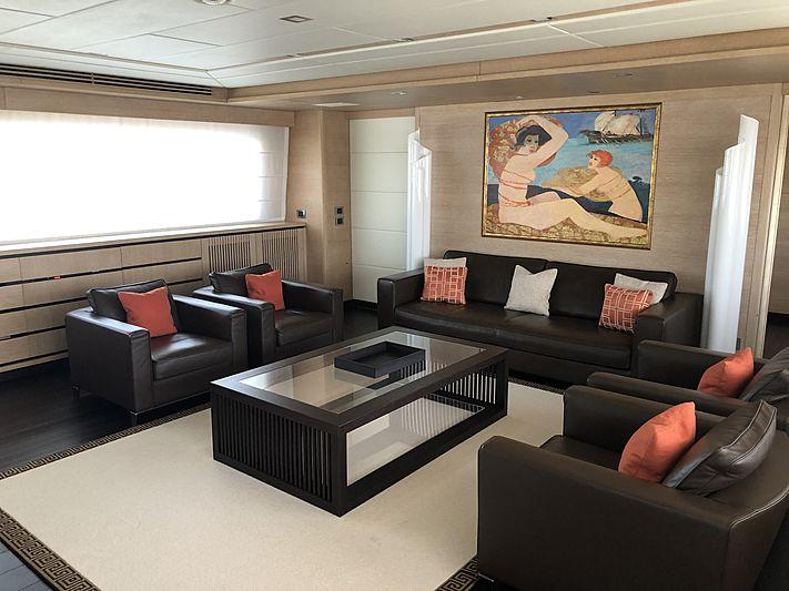 Framura 3 yacht saloon