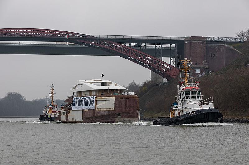 77m Black Shark yacht transport
