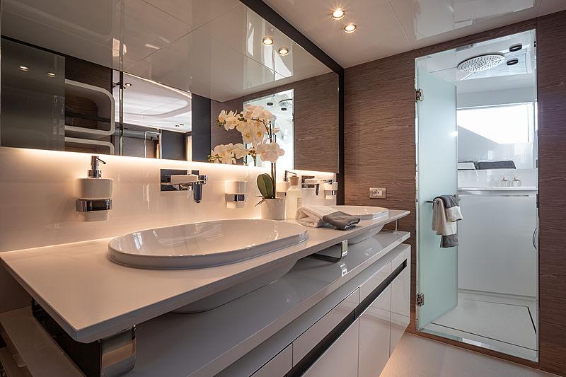 Ohana yacht bathroom