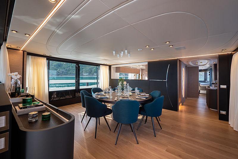Ohana yacht dining