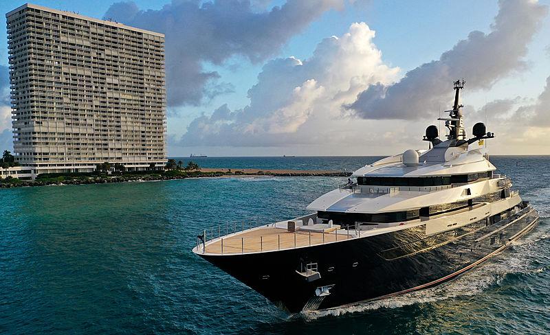 Seven Seas arriving in Fort Lauderdale
