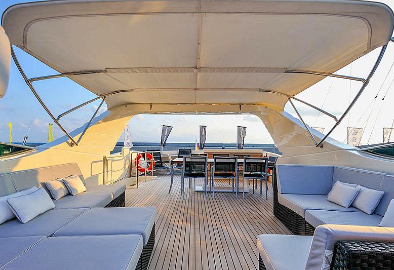 Bertona yacht sundeck