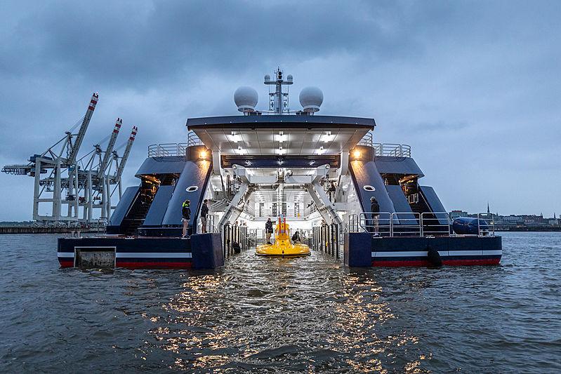 Octopus yacht tender garage with submarine