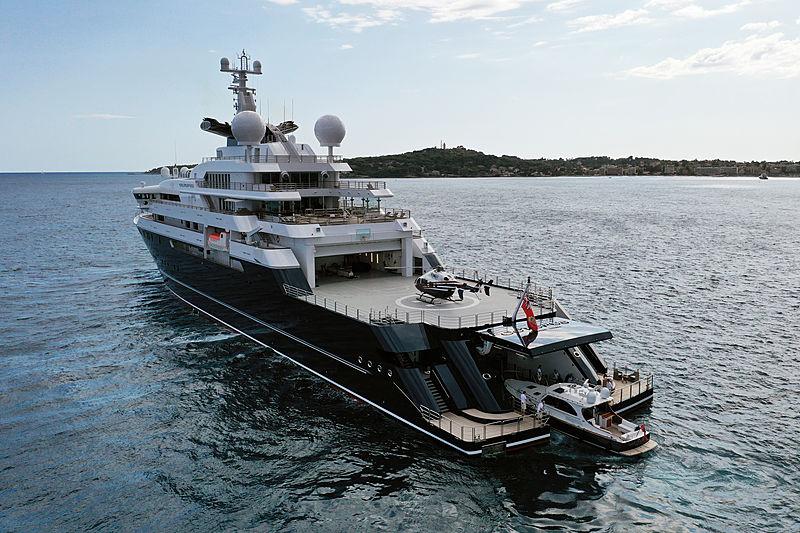 Octopus yacht anchored
