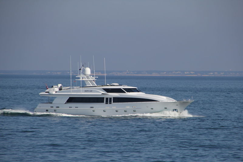 PATTI LOU yacht Crescent Custom