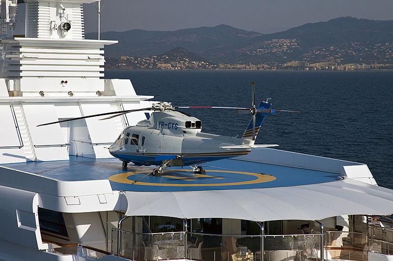 Lady Moura yacht helipad