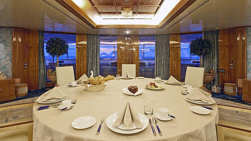 Lady Moura yacht lounge