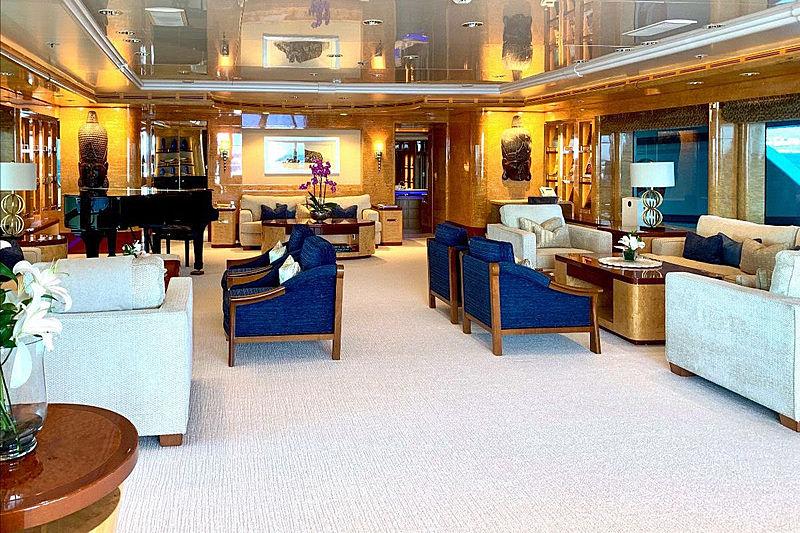 Felix yacht saloon