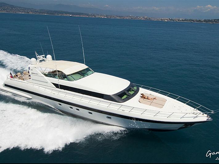 Mach One yacht cruising