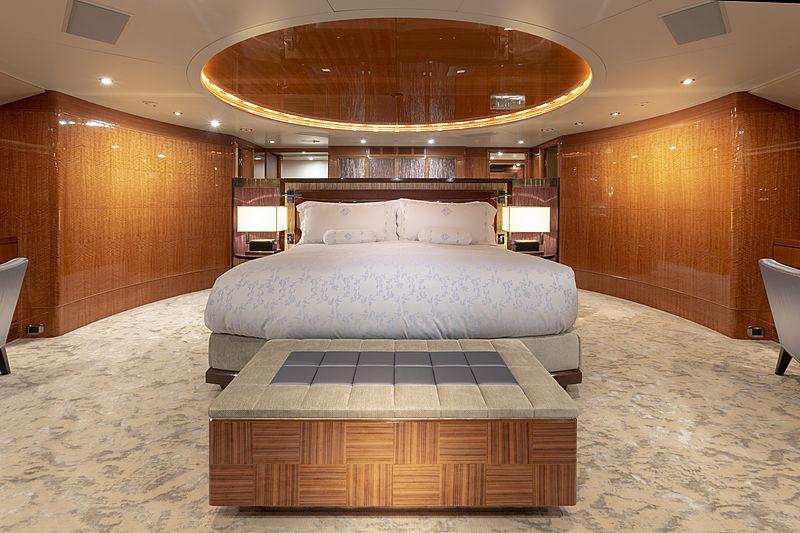 MAG III yacht master stateroom