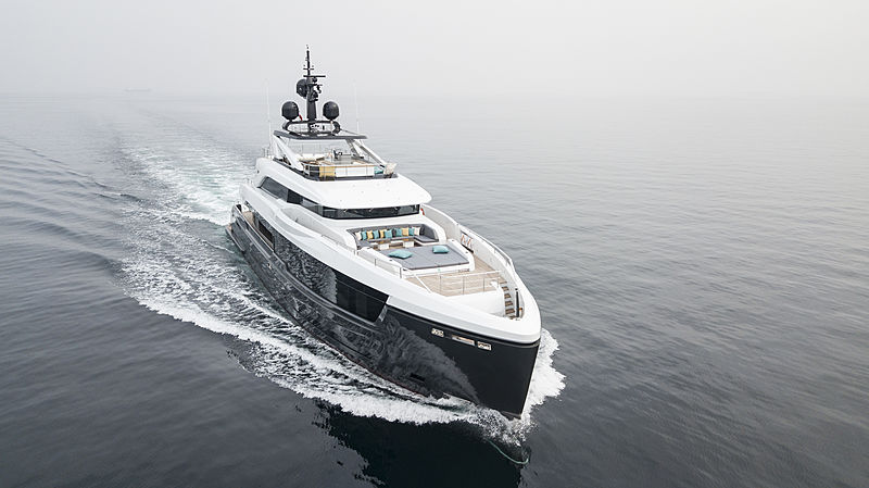 Virtus yacht cruising