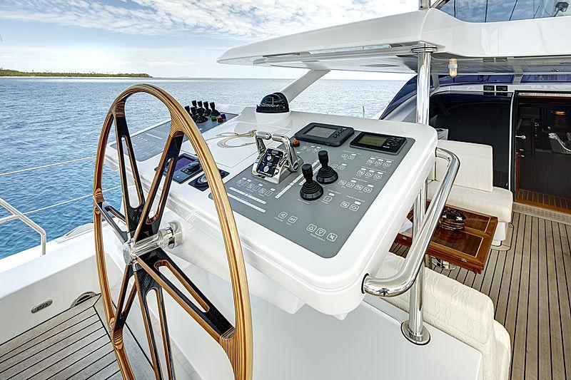 Encore yacht helmstation