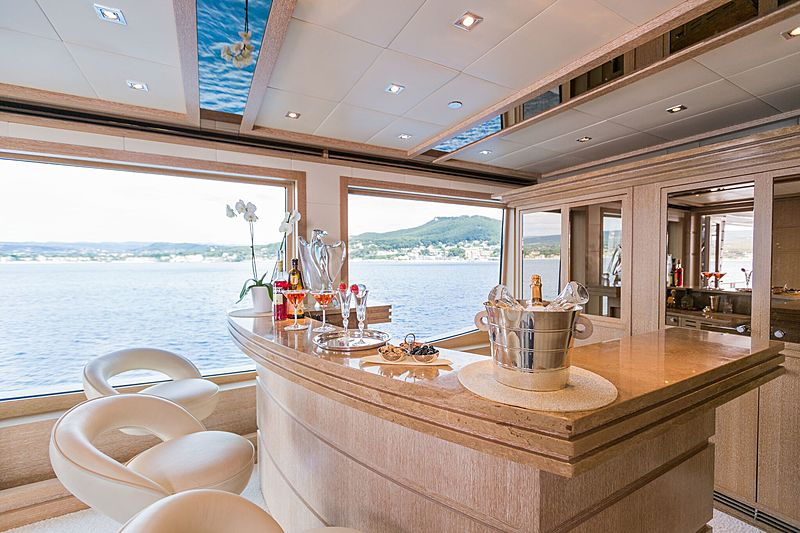 Sunrise yacht bar