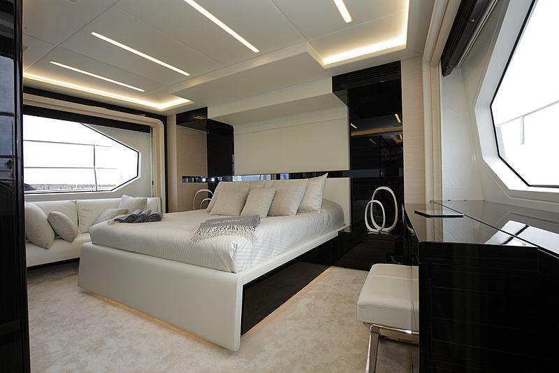 Novastar yacht stateroom