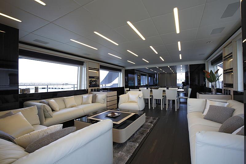 Novastar yacht saloon