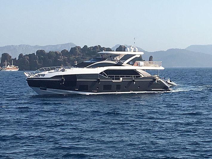 R.Darenben yacht cruising