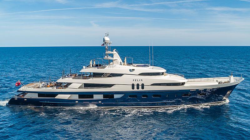 Felix yacht cruising