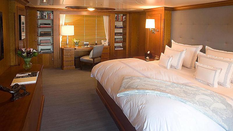 Hadia yacht stateroom