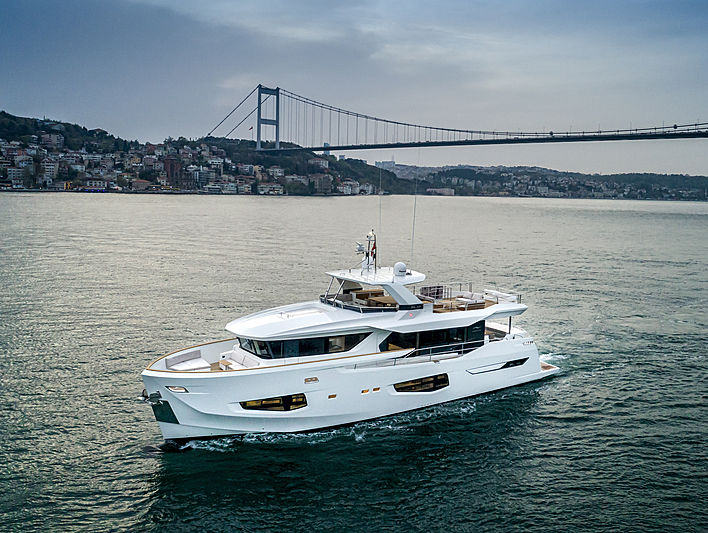 Numarine 26 XP yacht cruising