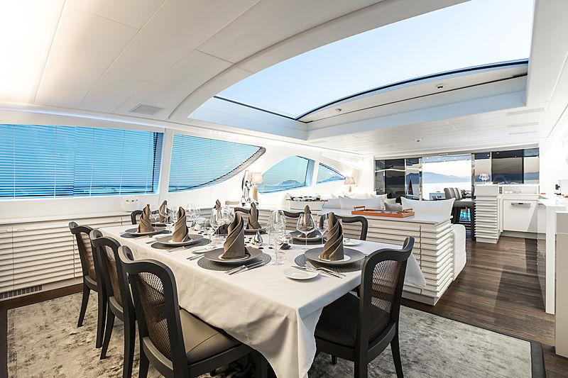 Beachouse yacht dining space