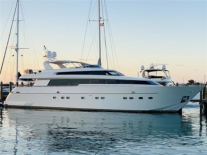 INFINITAS yacht Sanlorenzo