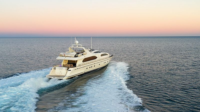 Luisamay yacht cruising