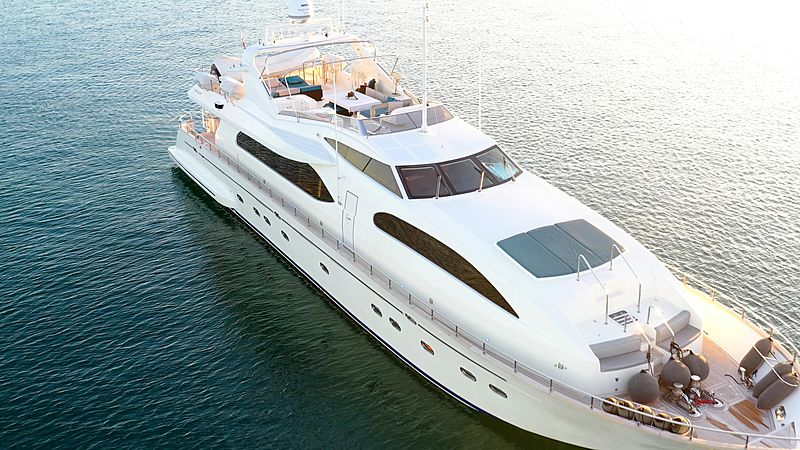 Luisamay yacht aerial