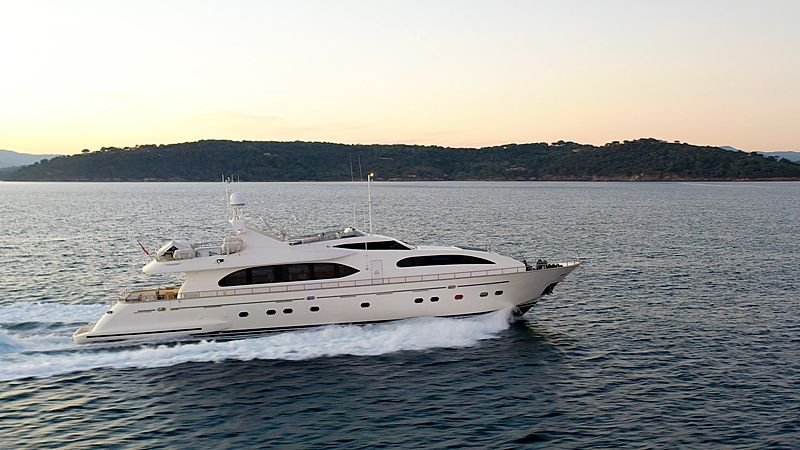 LUISAMAY yacht Falcon
