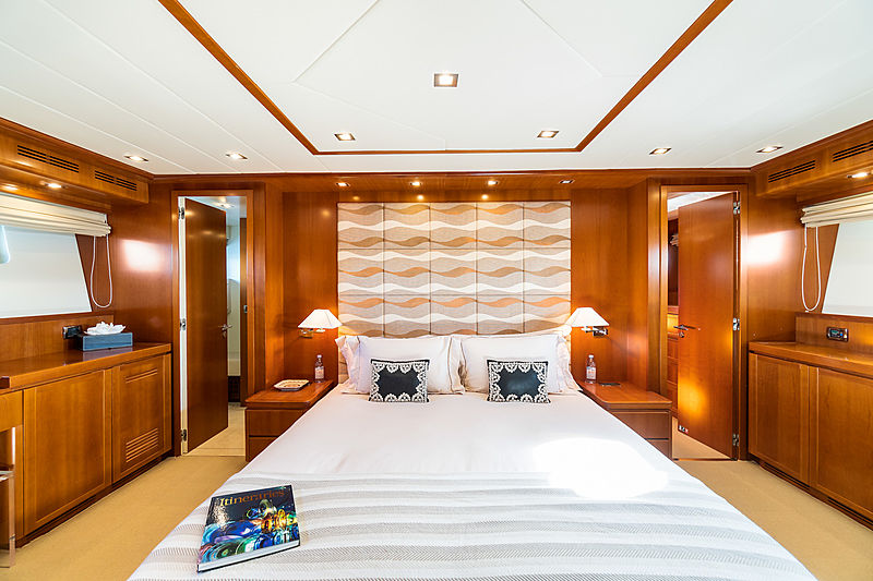 Luisamay yacht stateroom