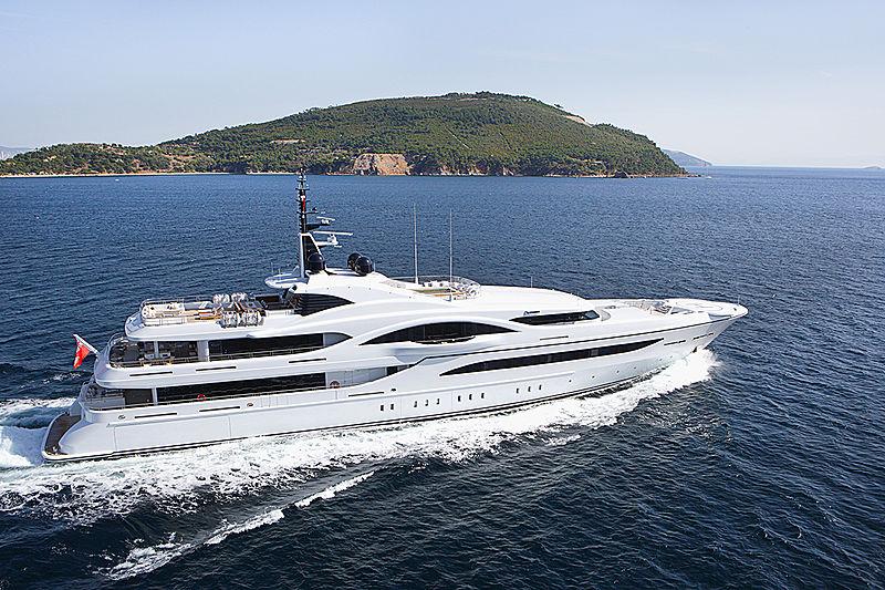 Quantum of Solace yacht cruising