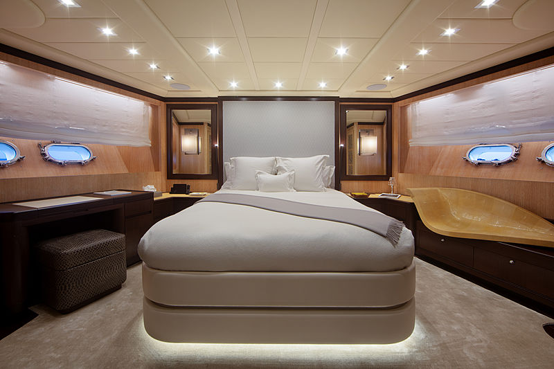 You & G yacht stateroom