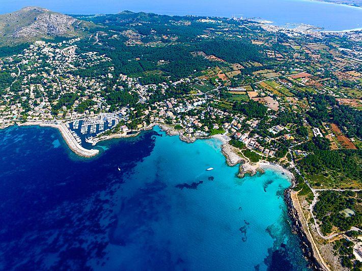 Port of Alcudia in Mallorca travel marketing