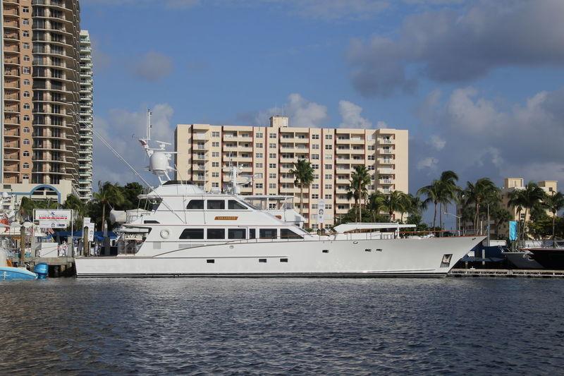 SARAH BETH yacht Burger Boat Company