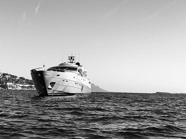 Bellamor yacht anchored