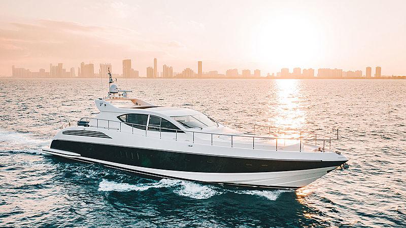 DASH yacht Leopard
