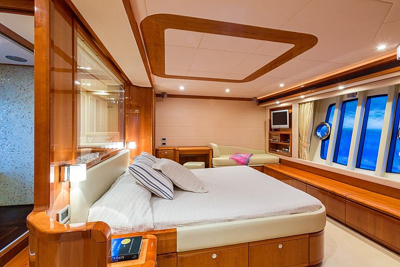 Monticello II yacht stateroom