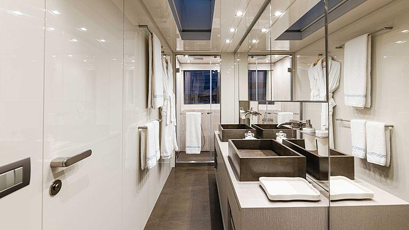 Arkadia yacht bathroom